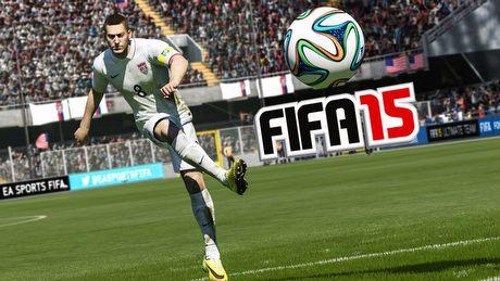 Pecetowa FIFA 15 w akcji! Jak wypada demo w porównaniu do FIFA 14?